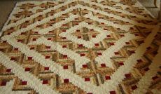 Judy Wrights Log Cabin Quilt.JPG