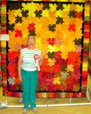 Mary Lidquists Winning Quilt.gif
